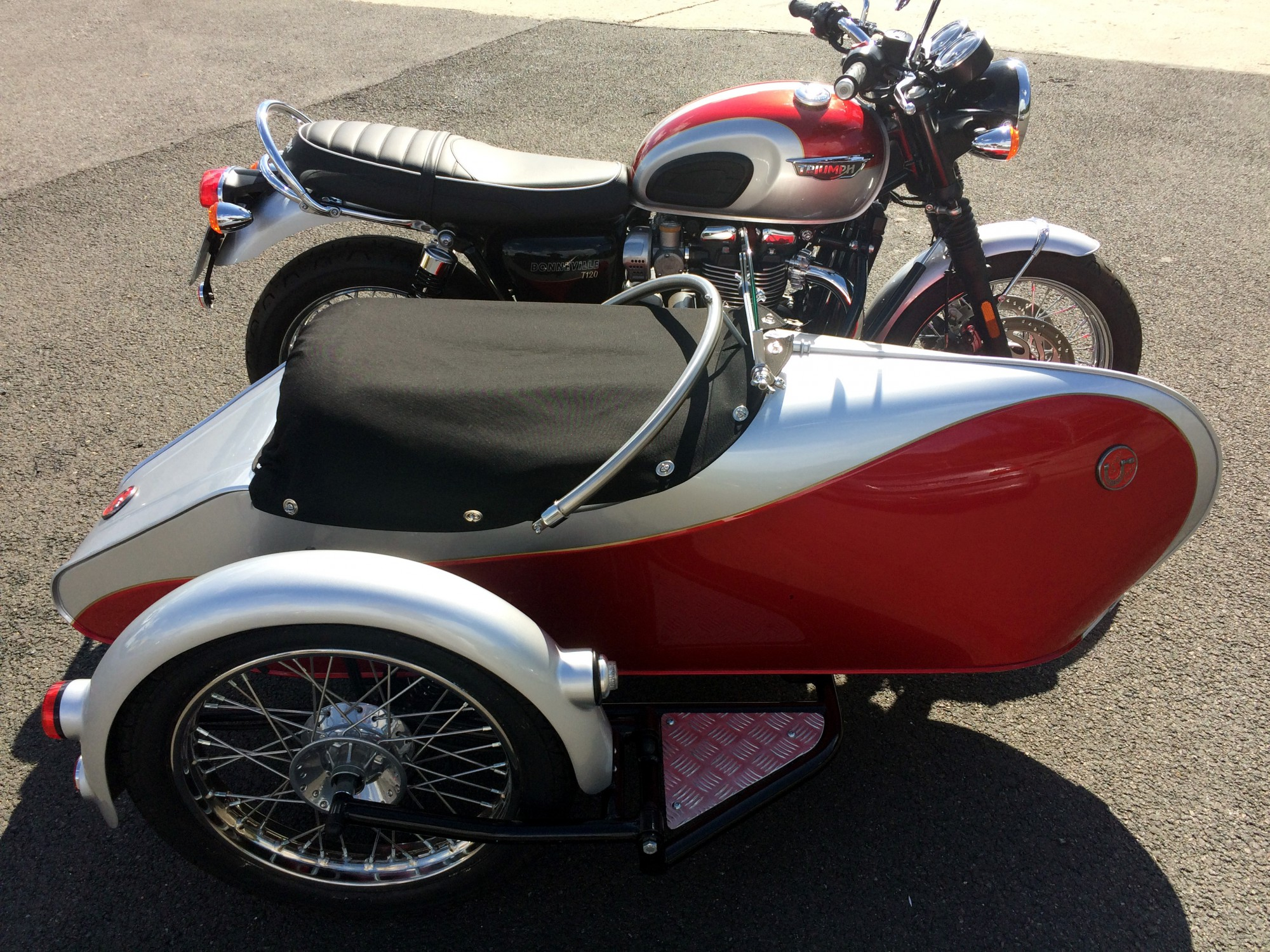 moto triumph bonneville t120 sidecar occasion. Black Bedroom Furniture Sets. Home Design Ideas